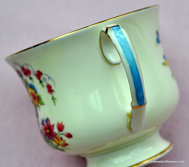Art Deco Paragon Teacup Handle Detail