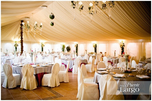 Carpa cubierta en la finca de bodas Puente Largo.
