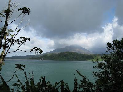 Arenal et son lac