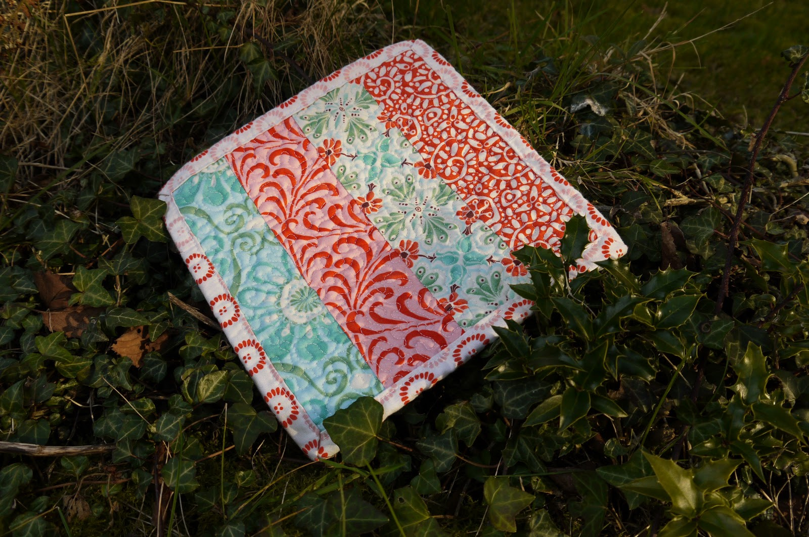 Tutorial Tue Disarmingly Charming Quilted Potholder