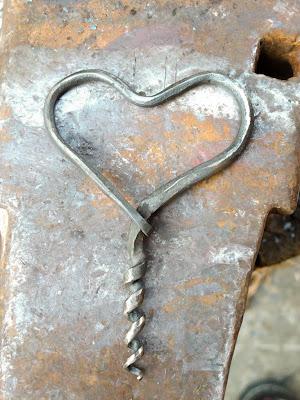 Tire-bouchon en forme de cœur