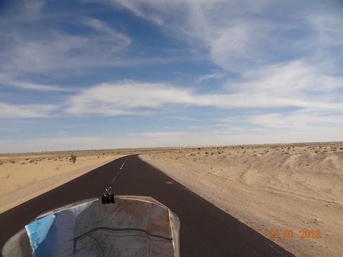 Marrocos e Mauritãnia a Queimar Pneu e Gasolina - Página 7 DSC06058