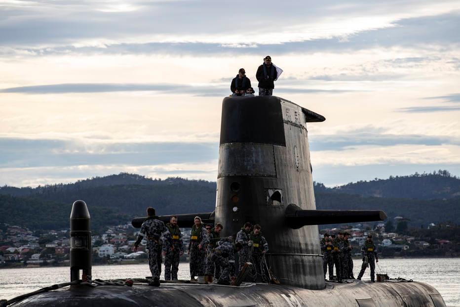 Submarino HMAS Sheean em porto da Tasmânia, na Austrália