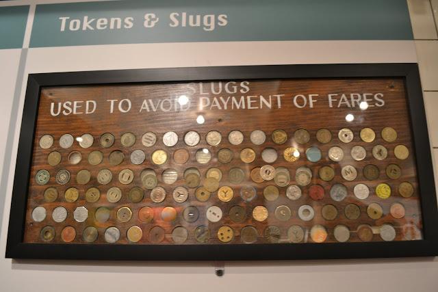 Фальшивые жетоны метро.Транспортный музей Нью-Йорка (New York Transit Museum, NYC)