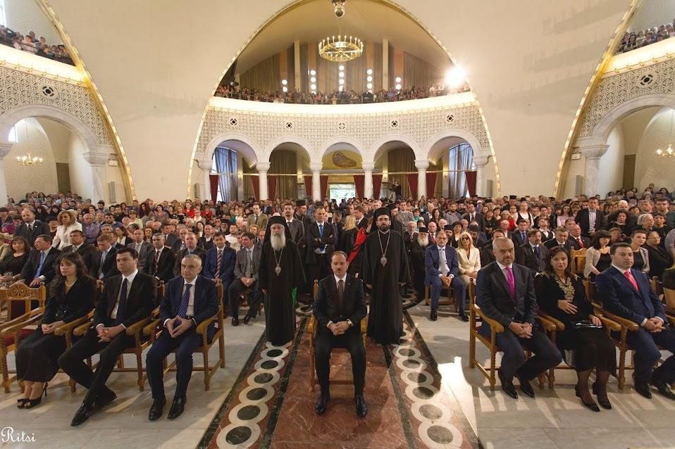 Reagime të forcave dhe personaliteteve të politikës për sulmet ndaj Kishës