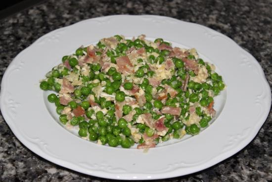 Como Cocinar Guisantes | Guisantes Con Bacon O Jamon Y Huevo Un Pellizco De Canela