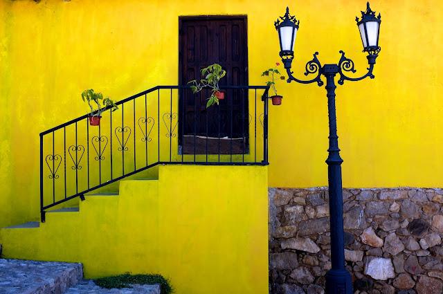 Yellow house. San Cristobal de las Casas. Photo: Phillip Smith