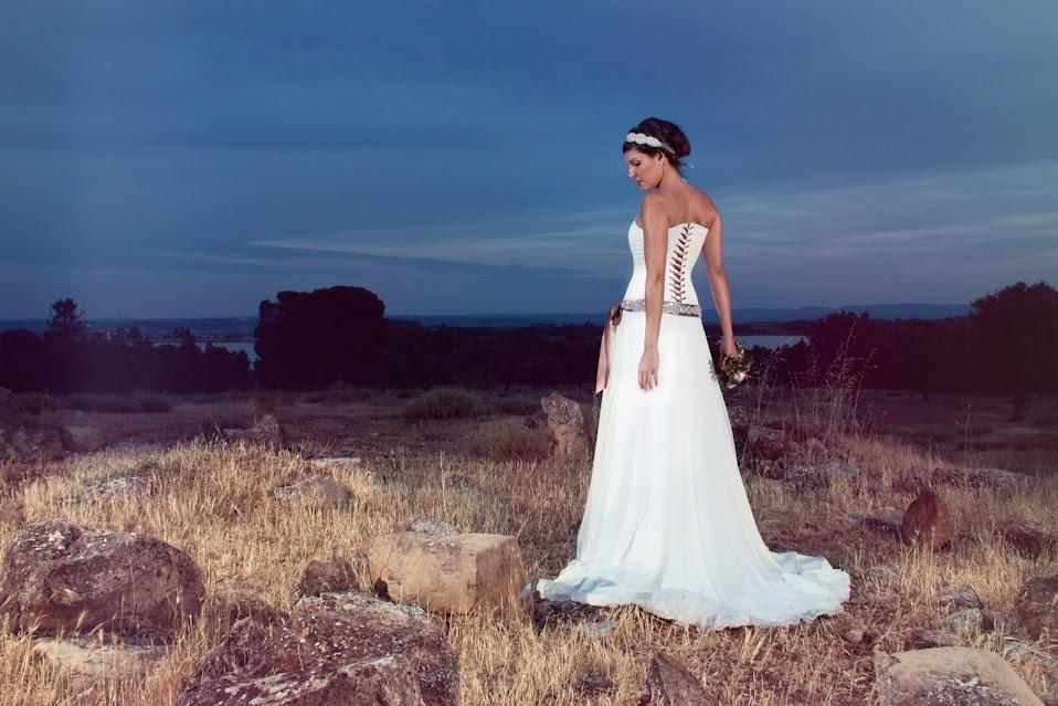 Vestido de Novia con corset con cintas avellana
