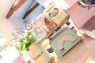 pesa cocina verde agua