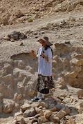 ההדרכה של ארנה קובוס במערות הקבורה של הכוהנים מבית שני ביריחו