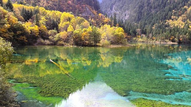 hồ nước Mùa Thu trong xanh