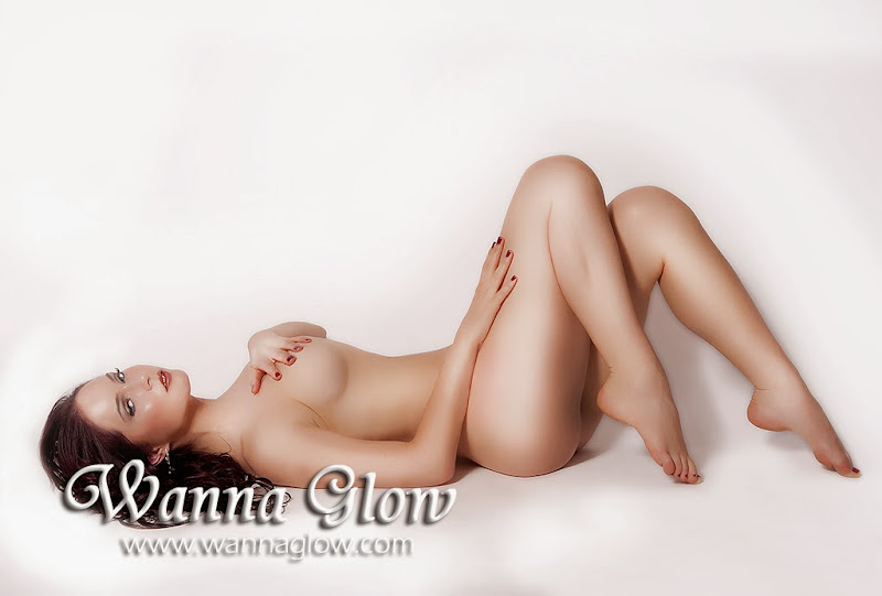 New Glowing Girl for Wanna Glow Calendar