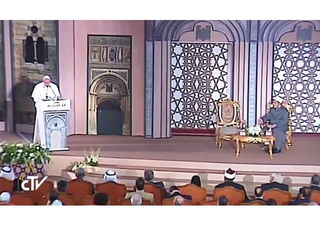Đức Thánh Cha tại Al-Azhar; các nhà lãnh đạo tôn giáo phải 'lật mặt nạ' bạo lực và thù hận