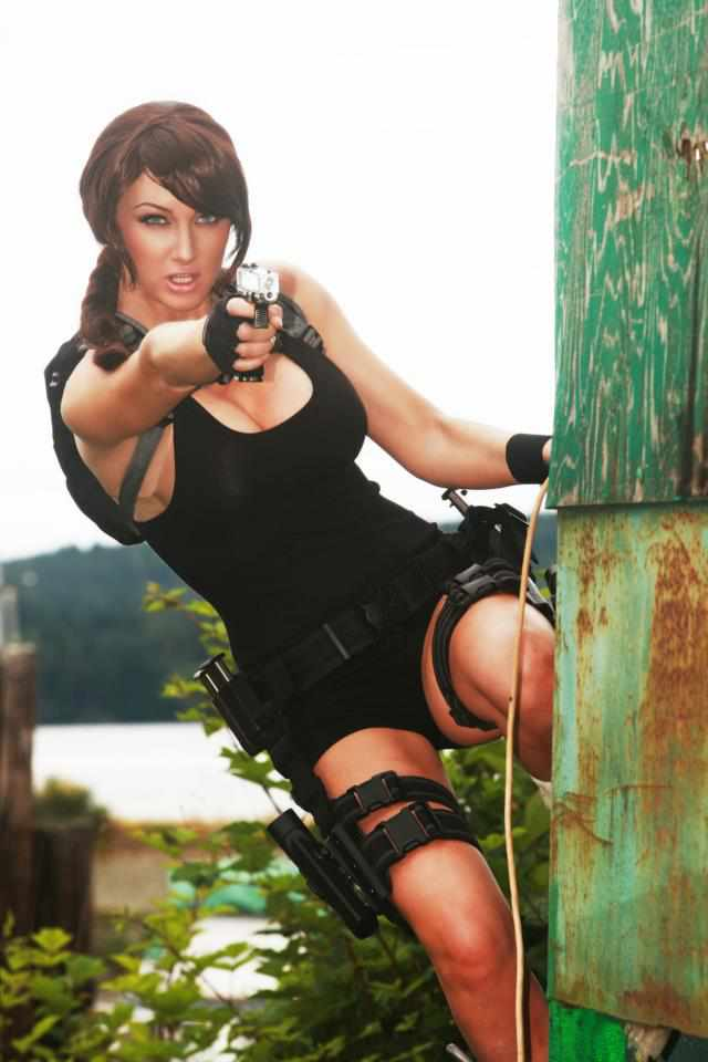 lara croft hottest cosplay photos purlzek. Black Bedroom Furniture Sets. Home Design Ideas