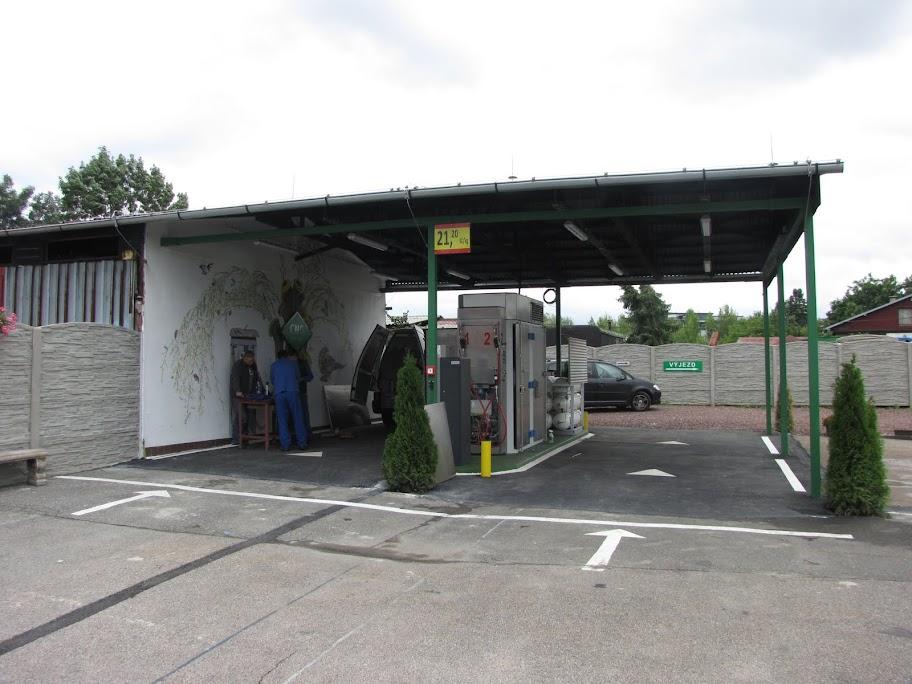Stacja tankowania CNG - odpowiednie zadaszenie