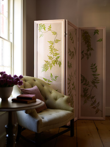Jasmine vine mounted to a folding screen