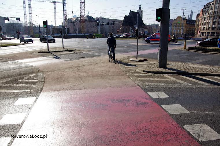 Jak łatwo wprowadzić rowerzystów na jezdnię? Pokazać im gdzie mogą jechać.