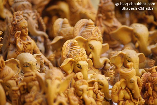 Small statues of Ganpati and Shiv