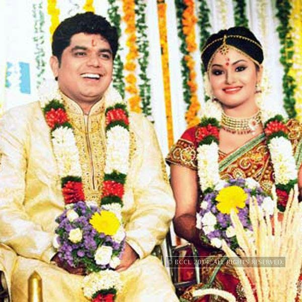 Actress Shritha Sivadas and her beau Dubai-based engineer and singer Deepak Nambiar's wedding reception, held in Kochi.