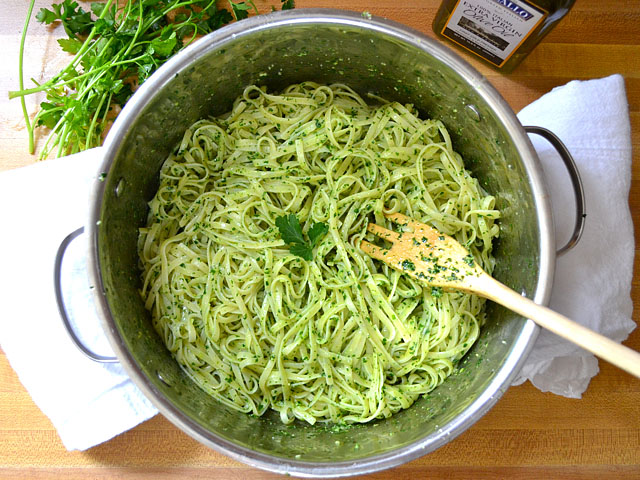 Parsley Pesto Pasta - BudgetBytes.com