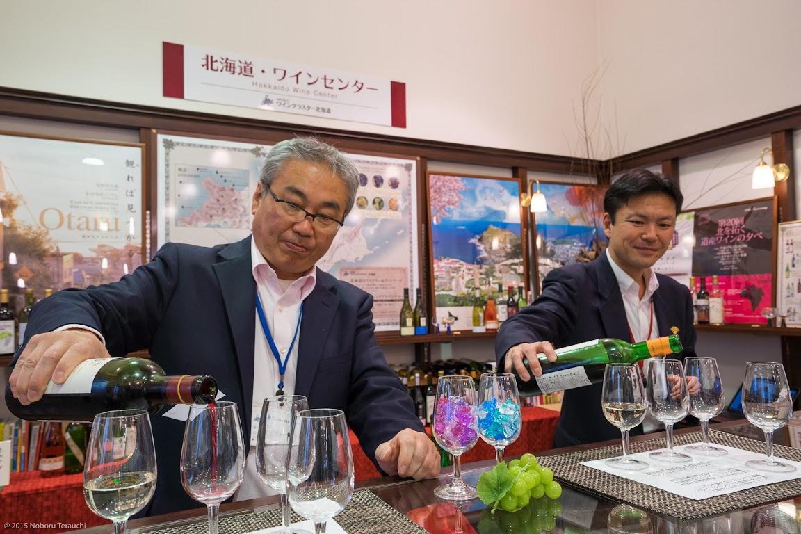 代表のシニアソムリエの阿部眞久さん、 元・余市ワイナリーの醸造責任者の園田稔さん