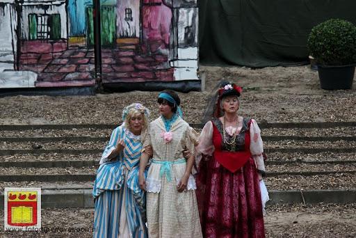 Alice in Wonderland, door Het Overloons Toneel 02-06-2012 (11).JPG