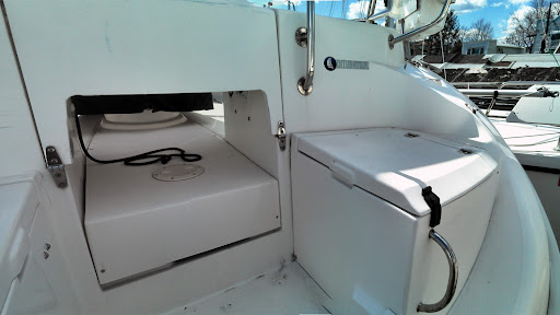 Hunter 386- Exterior Looking Aft