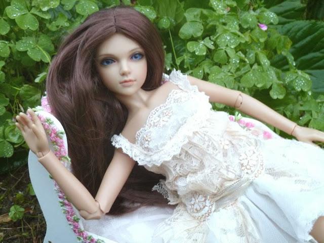 Alice (Leona JID Iplehouse) en cure de remise en forme (p 2) Arrive%25CC%2581e%2520Leona18
