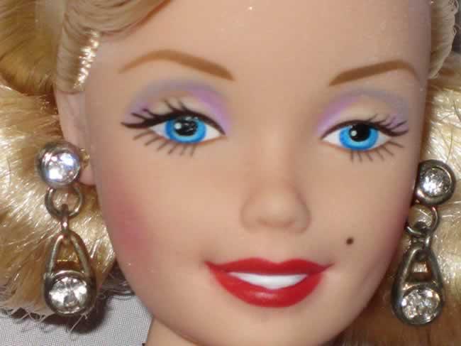 una de las primeras Barbies inspiradas en Marilyn Monroe editadas por Mattel