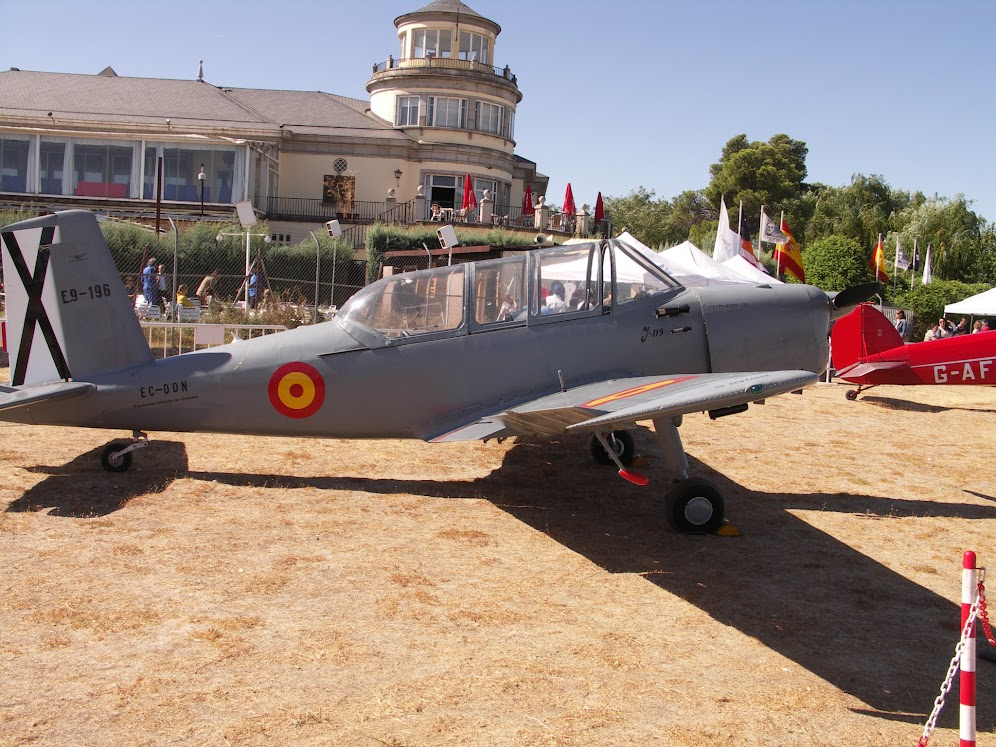 """Exhibición aerea de la Fundación """"Infante de Orleans"""". PICT0364"""