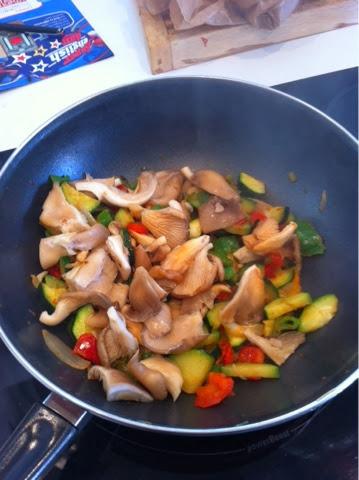 Recetas f ciles para cocinar con wok wok de fideos con setas for Facil de cocinar