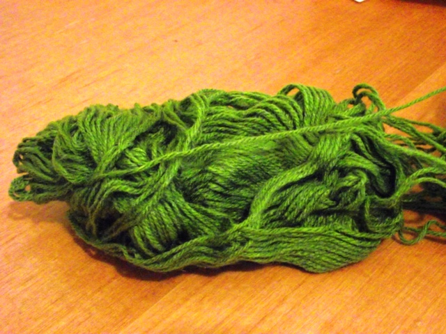 how to unravel yarn from the other end