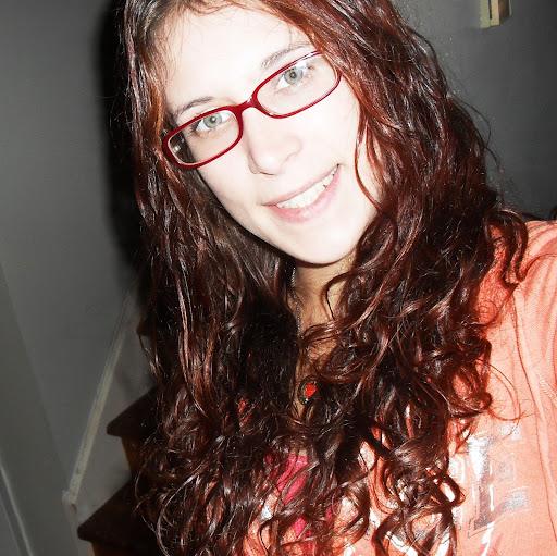 Nicole Renaud Photo 26