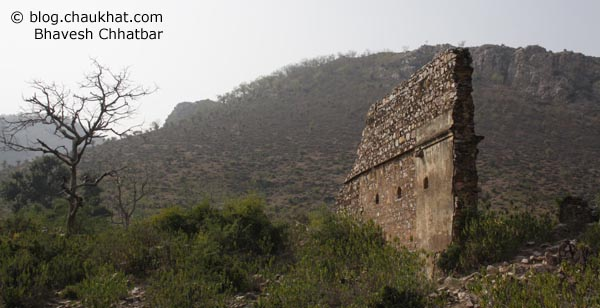 Bhangarh - Wall - Single - Ruined