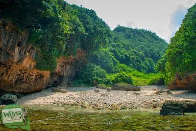 wujud pantai ngunggah, gunungkidul yang merupakan muara sungai purba