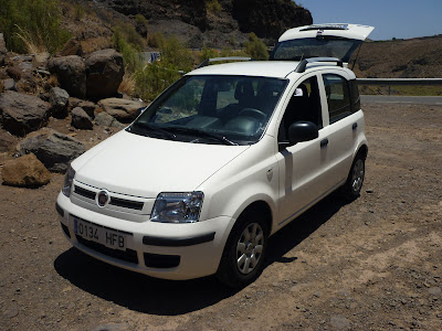 Ein weißer Fiat Panda, den wir auf Gran Canaria gemietet haben.
