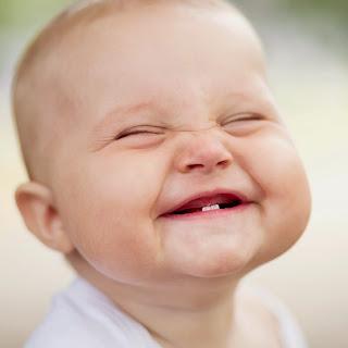 Phát triển động tác vận động cho trẻ từ 4 – 7 tháng tuổi