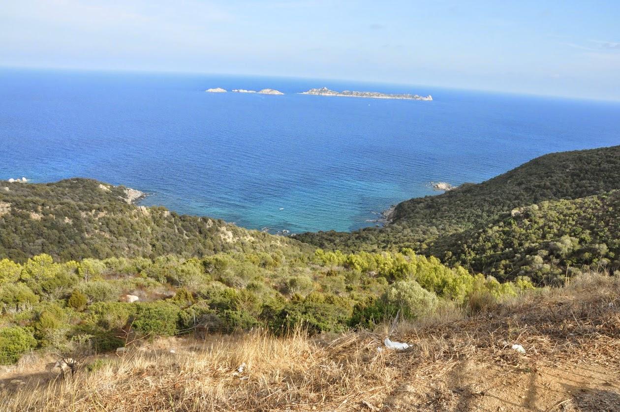 Вид на остров с башней с дороги