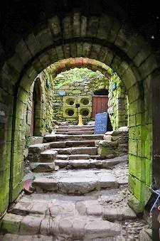 вход в замок Данноттар