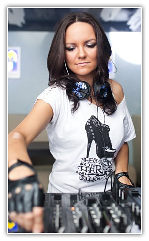 Julia Luna Julia Luna – Ministry of Sound SAT 04 18 2011