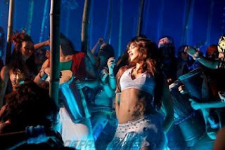 Deepika Padukone Dum Maaro Dum Item Song Photos