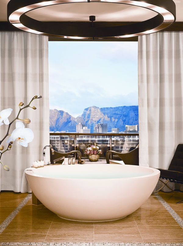 Hotel paradiese kapstadts luxus palast one only cape town for 1600 bath suite