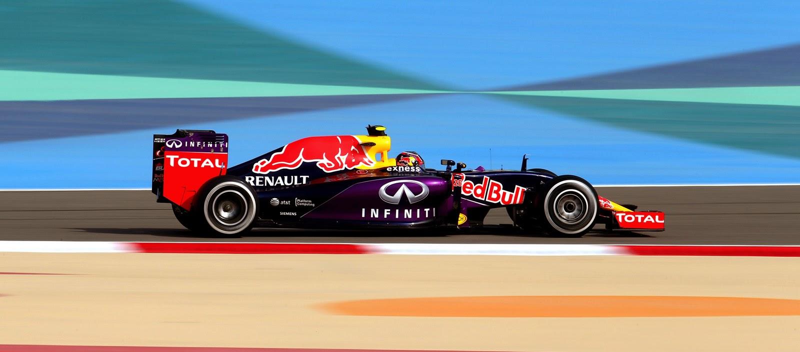Daniil Kvyat pilota su Red Bull en los entrenamientos libres del GP de Baréin