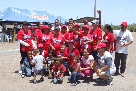 Equipo Pioneras de Vallecillo del softbol femenil del Club Sertoma