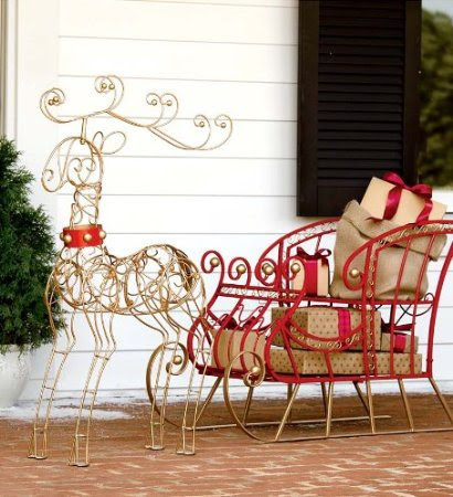 Dash-Away Sleigh Holiday Decor