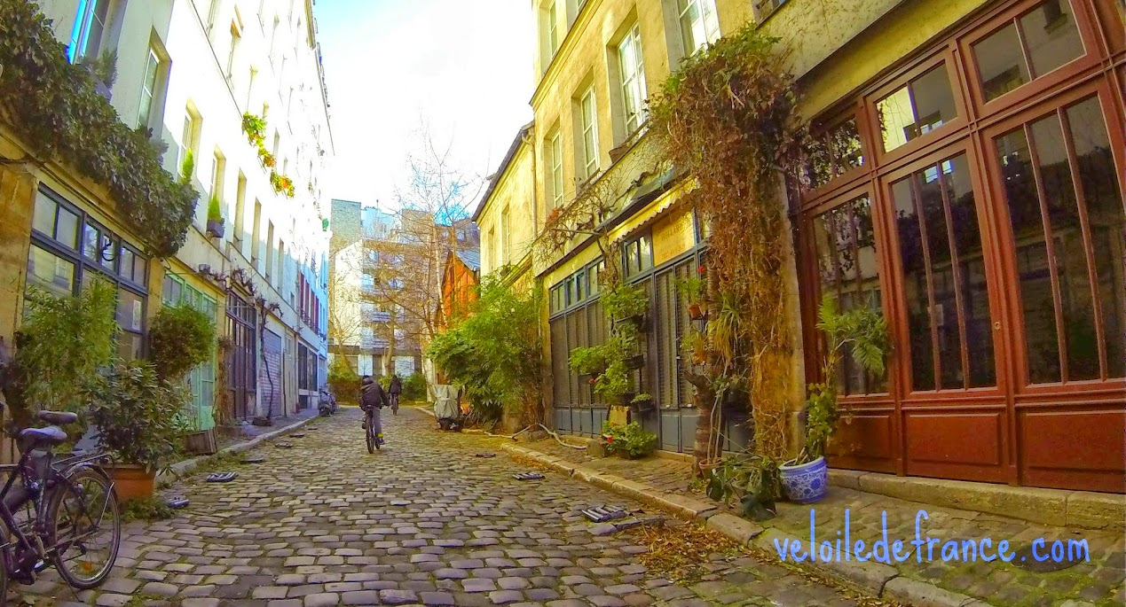 Passage Lhomme dans Paris - e-guide balade à vélo de Notre Dame à Bercy par veloiledefrance.com