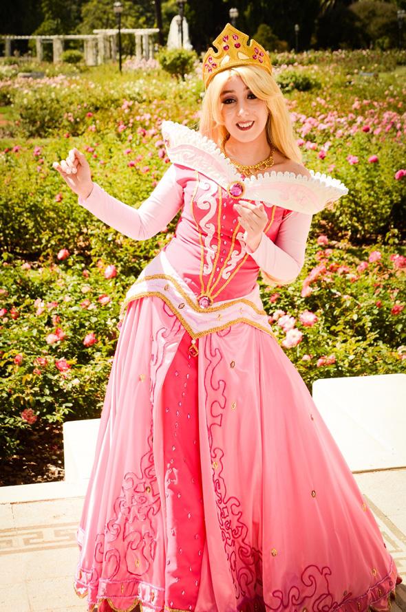 Công chúa Aurora kiêu sa với sắc hồng rực rỡ