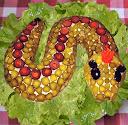 Новогодний салат «Змейка»