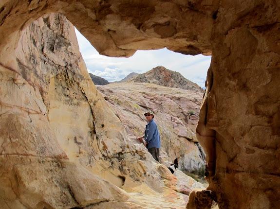 Eric through an arch