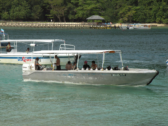 Diving boat Pualu Sapi Borneo